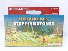 HO 100-Piece Stepping Stones / Botanicals Model Scenery - Walthers #433-1078