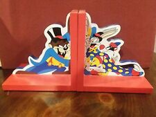 Warner bros store Looney Tunes Wooden book ends Bugs Taz Tweety Sylvester