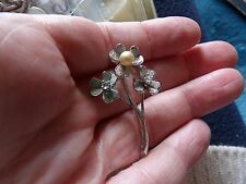 RHODIUM PLATED STERLING SILVER ITALIAN FLOWER BROOCH CRYSTAL & FAUX PEARL 552-10