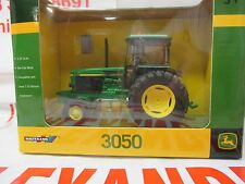 Britains 42902 John Deere 3050 Tractor 1:32 Replica Farm Toy Tractor Model Toy