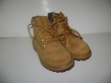 TIMBERLAND CLASSIC WHEAT BOYS GIRL HIKING BOOTS size 11 M TAN LEATHER WATERPROOF