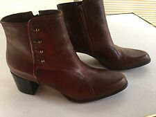 NIB NATURALIZER Ankle Boots Shoes Womens size 10 N Gaper Cognac Brown Leather