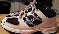 Nike piller tech sneakers white and black kids size 8-C laces leather very nice