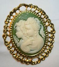 Lovely Swirled Rim Green and Cream Two Girls Friends Sisters Cameo Brooch Pin