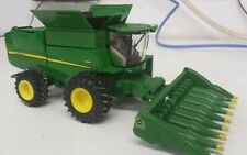 1/64 ERTL custom John deere S660 combine with 8 row corn head farm toy