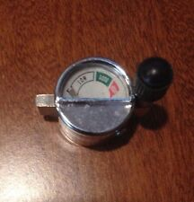 COMBINATION FUEL CAP/PRESSURE GAUGE/SHRADER VALVE FOR PETROMAX HIPOLITO AIDA
