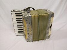 VINTAGE MARCA D'ORO ACCORDION, WORKS - FREE SHIPPING PIANO ORGAN