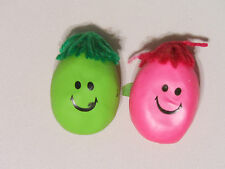 1 STRESS RELIEF SQUEESE SMILEY FACE BALL  WITH HAIR HELP ARTHRITIS