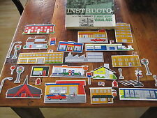 INSTRUCTO FLANNEL BOARD VISUAL AID EDUCATIONAL COMMUNITY BUILDINGS no. 147