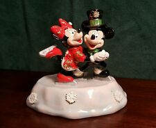 DISNEY COLLECTION - LIGHTED CLOISONNE OF MICKEY AND MINNIE ICE SKATING