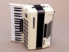 Very Nice German Accordion Weltmeister Stella 60 bass