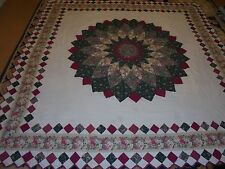 Pretty Red & Green Dahlia w/Granny Square Frame & Prairie Point Edge Quilt