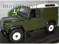 UNIVERSAL HOBBIES 3882 LAND ROVER DEFENDER 90 HARD TOP 1/18 GREEN