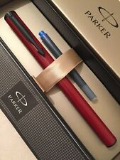 NEW PARKER BETA BURGUNDY & BLACK FINE NIB FOUNTAIN PEN-GIFT BOX