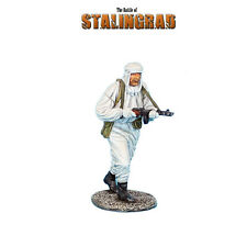 RUSSTAL029 Russian Infantry in Winter Camo Advancing w/PPSH 41 by First Legion