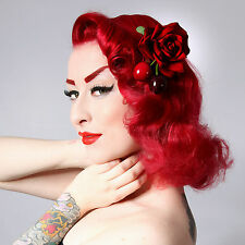 Rockabilly 50s pin up en velours rouge cerise rose cheveux fleur plume clip