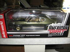 1 18 ERTL 1969 PONTIAC GTO ROYAL BOBCAT EDITION GREEN AND GOLD #0045 SERIALIZED