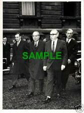 ORIGINAL 1968 PRESS PHOTO - GENERAL U THANT AND GEORGE BROWN IN DOWNING STREET