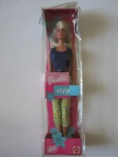 DOLL BARBIE STYLE OFFICIEL MATTEL 2000 NEUVE NEUF EN BOITE NEW SEALED IN BOX