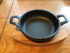 Master Class Artesa Cast Iron Gratin Skillet with Maple Wood Serving Board