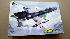 MiG-21 R Soviet Fighter   1/72 aircraft model kit by IOM kit