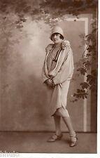 BD962 Carte Photo vintage card RPPC Femme woman mode fashion chapeau manteau