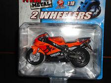 Maisto Yamaha YZF R-7 Orange 1/18 Motorcycle Bike