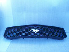 2005-2009 Ford Mustang Front Grille With Emblem 6R33-8200-AAW OEM Original