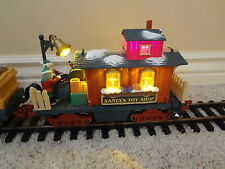 New Bright Holiday Express SANTA'S TOY SHOP caboose Great For Spare Parts READ