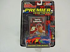 RACING CHAMPIONS PREMIER CHASE THE RACE TERRY LABONTE #5 w/ CAR COVER ON 1:64