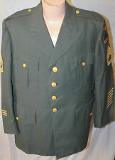 VIETNAM ERA US ARMY MAN'S AG 44 SERVICE JACKET W 3RD ARMORED DIV & SGT 1ST CLASS