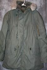 rM- CLOTHES MENS PARKA MILITARY STYLE WITH HOOD SO WARM GREAT SHAPE GENTLY USED