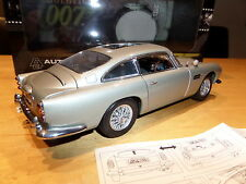 ASTON MARTIN DB5 JAMES BOND GOLDFINGER AUTOART 1/18 Weapon VERSION m&b
