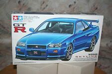 TAMIYA GT-R NISSAN SKYLINE V-SPEC (R34) 1/24 SCALE PRECISION MODEL KIT 1999 LV