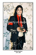 * MICHAEL JACKSON * Large signed poster of the King of Pop. Great memorabilia!
