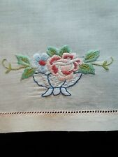 Vintage Guest Towel Embroidered Flowers 13 by 18 inch TW116