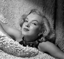 MARILYN MONROE BEAUTY IN A SHAG RUG  (1) RARE 8x10 GalleryQuality PHOTO