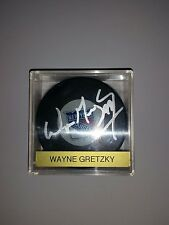 Wayne Gretzky Autograph Hockey Puck - Authentic - In case with Authenticity Card