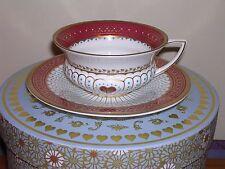 Wedgwood Taza de Té y Platillo ~ Reina De Corazones Diseño ~ En Caja