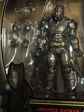 Medicom MAFEX Batman VS Superman Dawn of Justice Action Figure ARMORED BATMAN