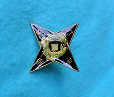 ZP195 Unusual Kung Fu Throwing Star - Lapel Pin Badge Martial Arts Ninja