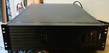 APC SMART UPS SURT3000XLI 3000 VA 230V con nuove BATTERIE 3U 90 Giorni Rtb Garanzia