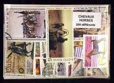 Chevaux 200 timbres différents oblitérés