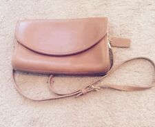 VINTAGE COACH British Tan Leather Bag/Purse, Envelope/Shoulder Strap