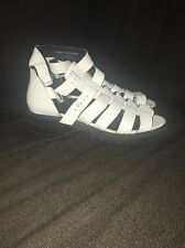 Urban Outfitters Sandals UK5
