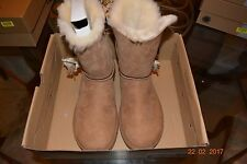 NEW IN BOX UGG W LILOU 1013850 W/CHESTNUT SIZE 8 WOMEN
