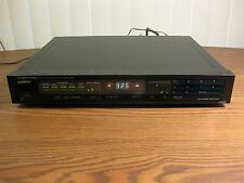 ONKYO T-4150  Integra Quartz Synthesized FM Stereo / AM Tuner - Digital Display