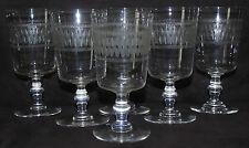 Baccarat - Service de 6 verres à vin blanc en cristal gravé. XIXe s.