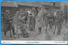 CPA: Le repas des prisonniers / Guerre 14-18