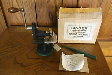 Antique Singer Hand Operated Ball Bearing Pinking Machine 1935 121379  - A3